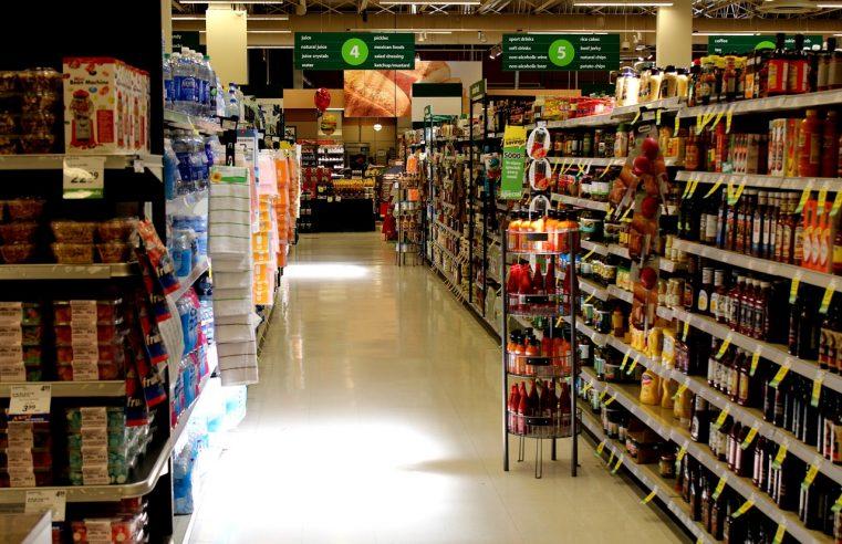 Obowiązkowe wyposażenie każdego sklepu: regał